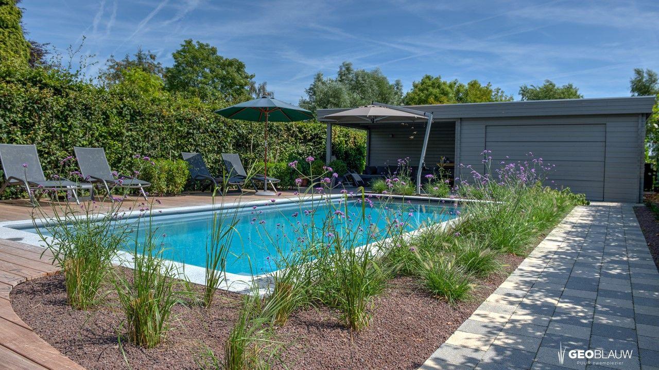 zuiderse-tuin-met-zwembad
