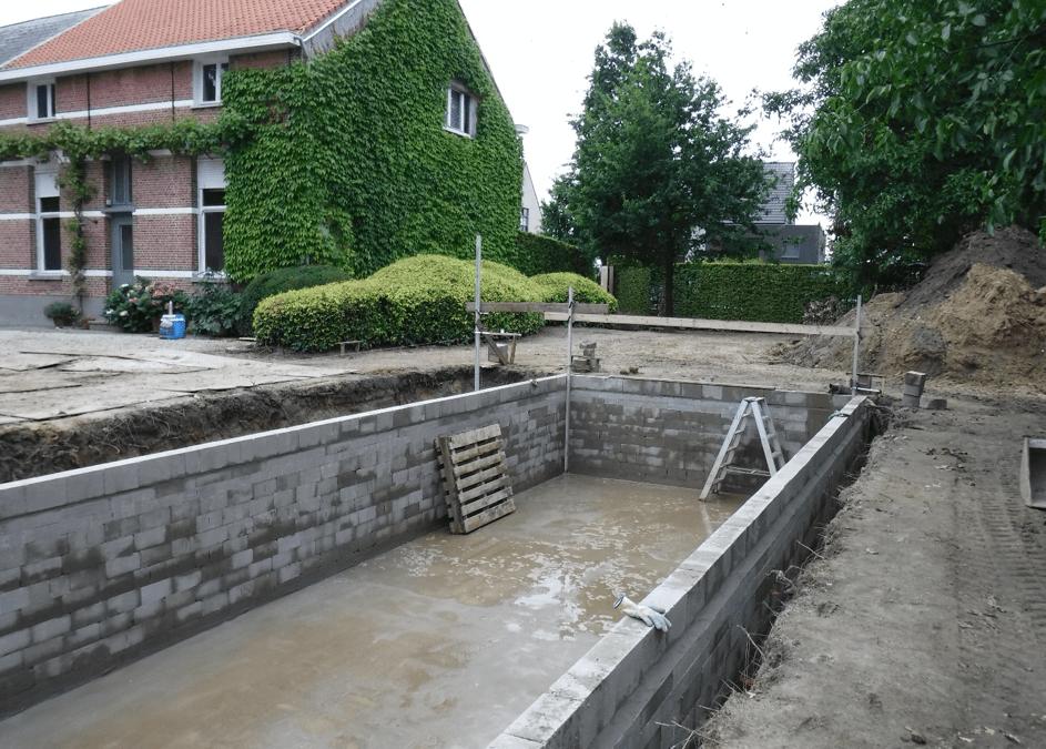 Heeft u een bouwvergunning nodig voor een zwembad of zwemvijver?